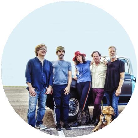 Icon Edie Brickell & New Bohemians