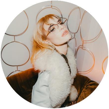 Icon Juliet Simms