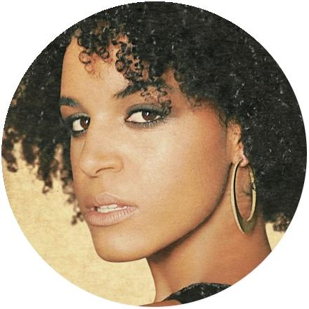 Icon Laura Izibor