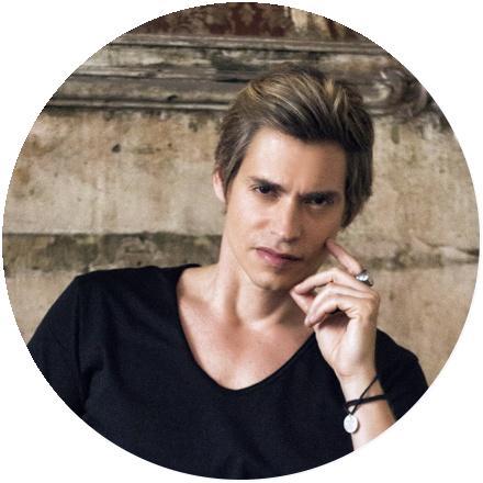 Icon Carlos Baute