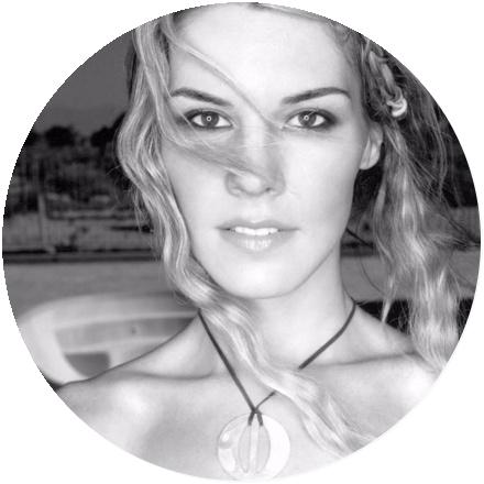 Icon Jennifer Paige