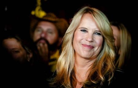 Songtekstennet Linda De Mol Beperkt Douchen Tot Minuut